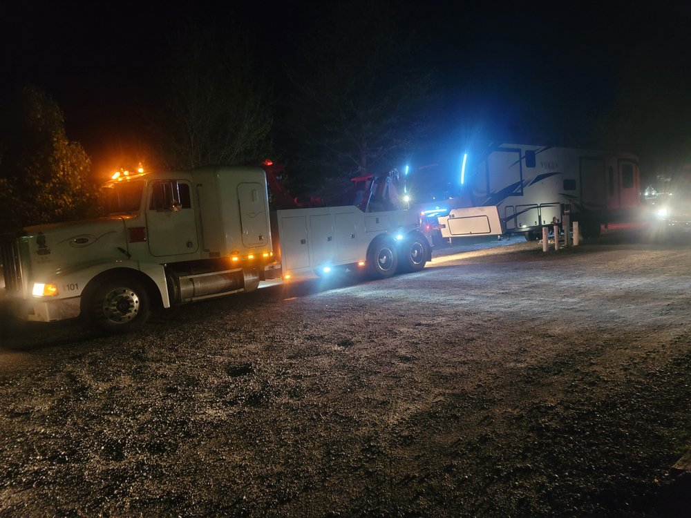 Mike And Son Towing: 701 N McKinley St, Knoxville, IA