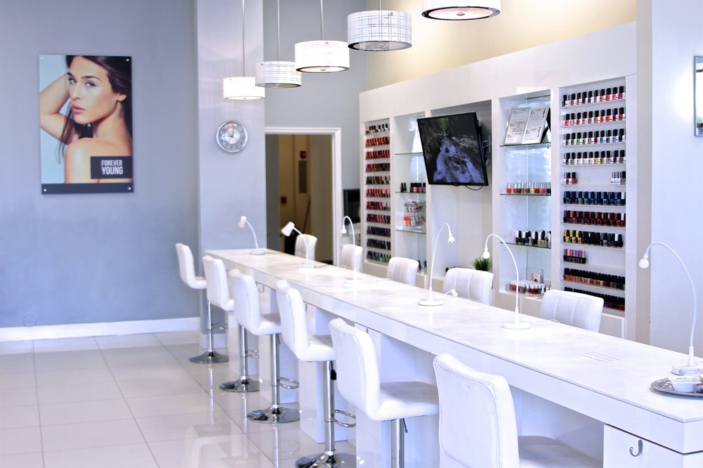 Senses Beauty Lounge: 15428 SW 88th St, Miami, FL