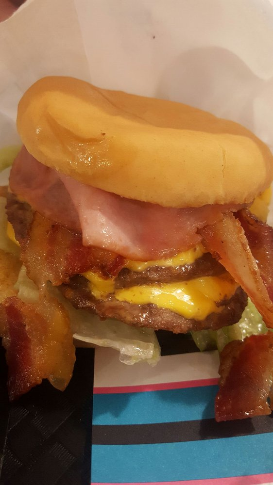 Burger Express: 1301 Hwy 2, Sandpoint, ID