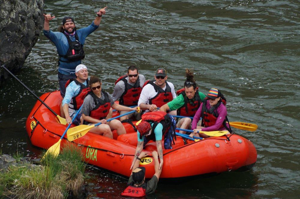 Deschutes River Adventures: 602 Deschutes Ave, Maupin, OR