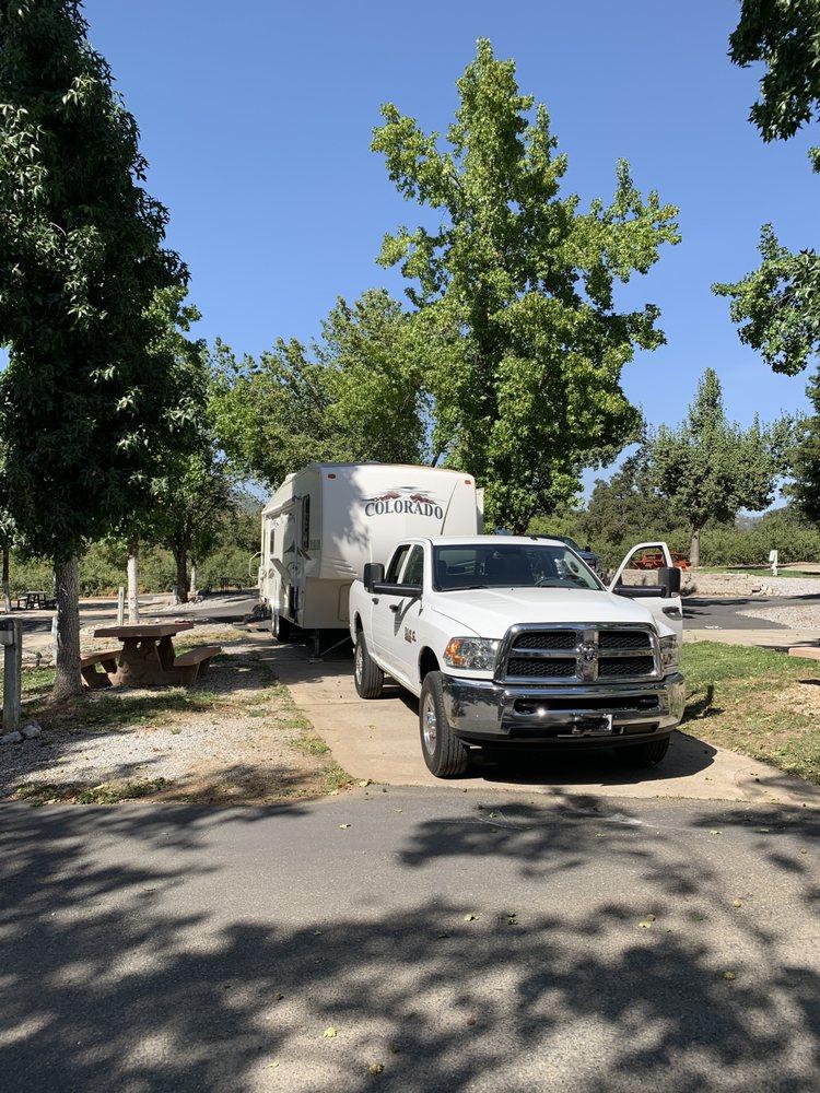 Mountain Gate RV Park & Cabins