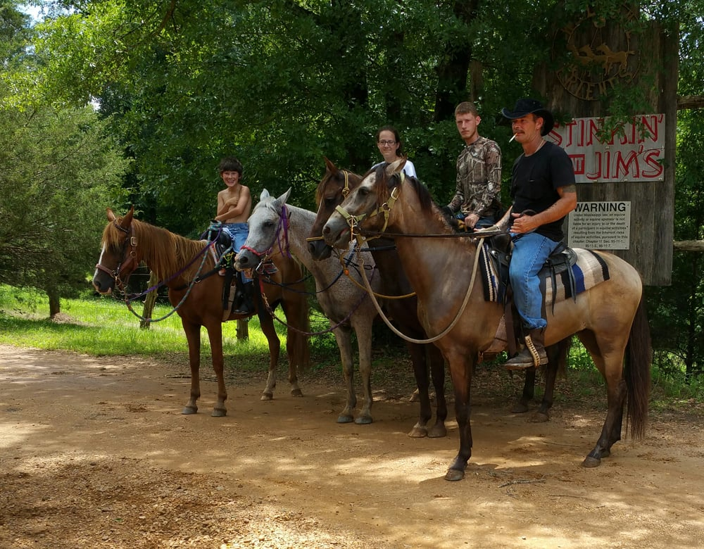 Stinkin Jims Horse Camp: 801 County Rd 52, Houston, MS