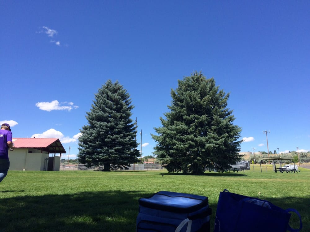 Johnny Appleseed Park: Country Club Dr, Elko, NV