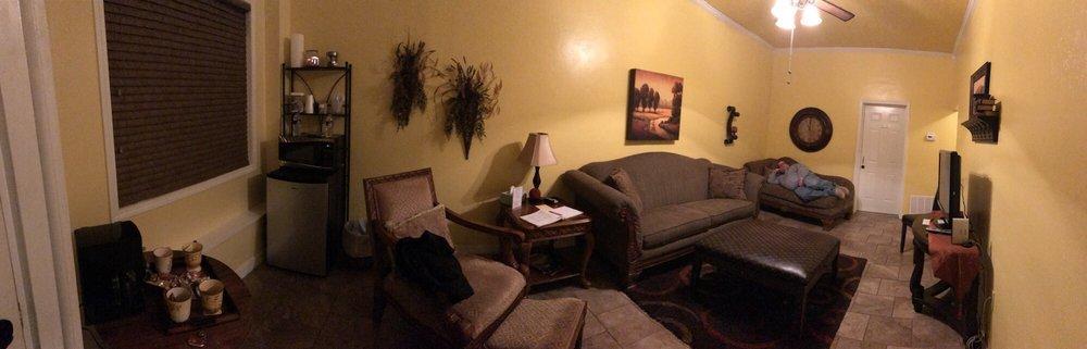 Woolly Bison Inn: 4 E Turner, Buffalo, OK