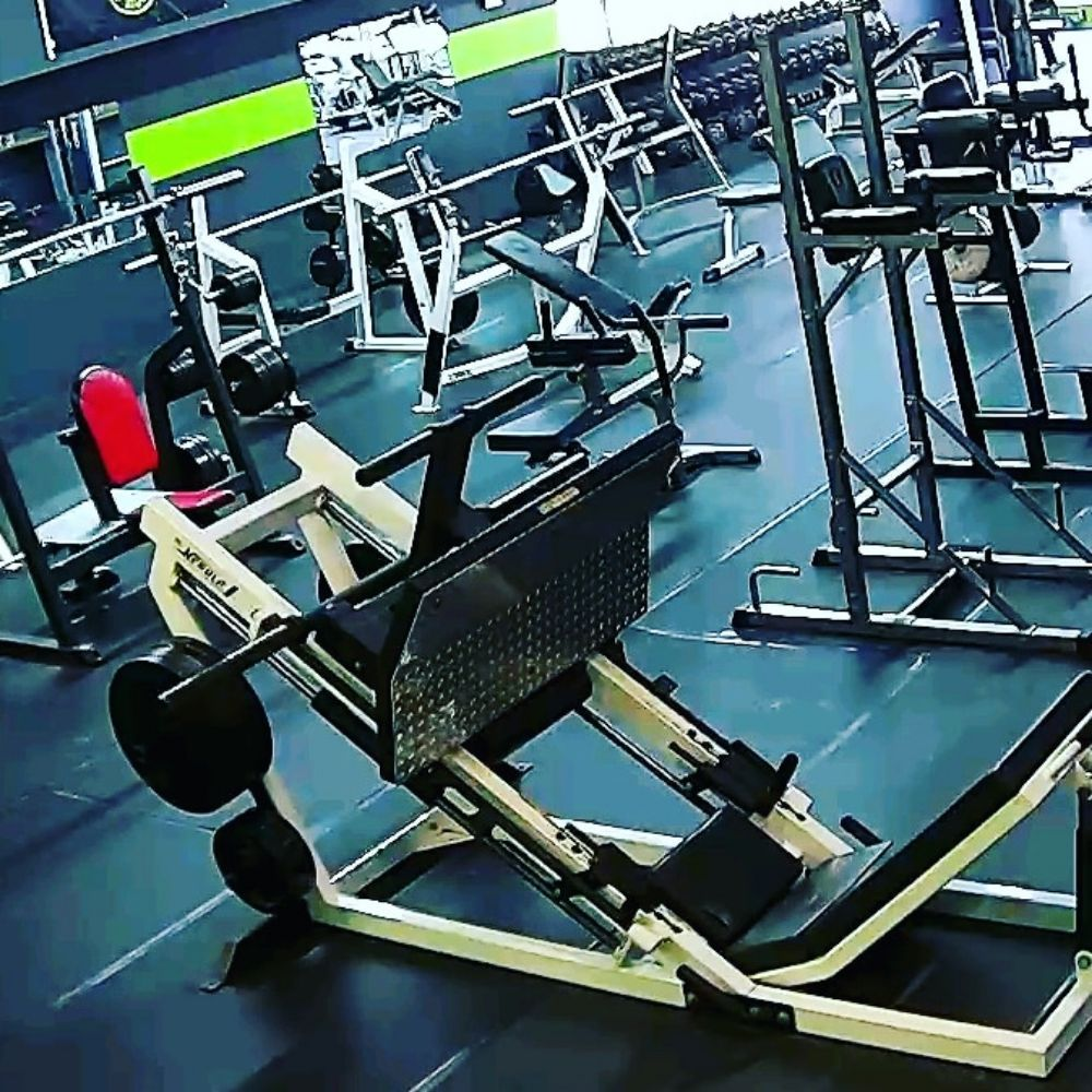Iron Plate Gym: 1152 State Route 131, Milford, OH