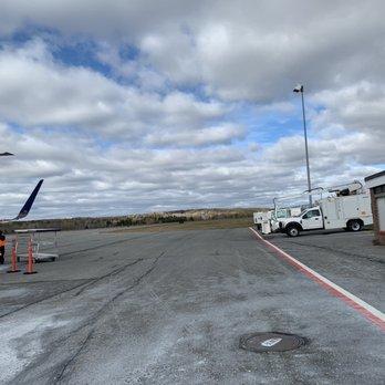 Presque Isle International Airport 23 Photos Airports 650