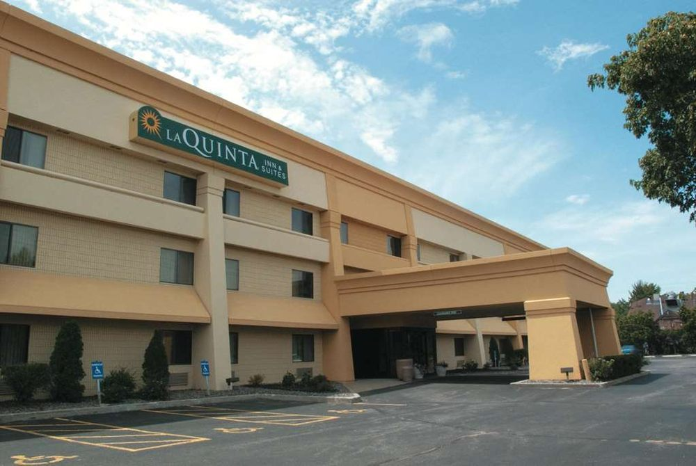 La Quinta by Wyndham Stevens Point: 4917 Main St, Stevens Point, WI