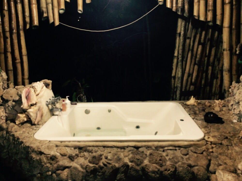The double jacuzzi tub open bathroom and lounge - Yelp