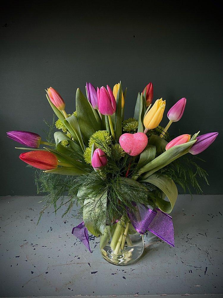 Four Seasons Florists Inc: 117 W Grand Ave, Eau Claire, WI