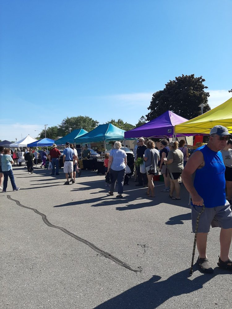 Clear Lake Farmers Market: 601-619 Buddy Holly Pl, Clear Lake, IA
