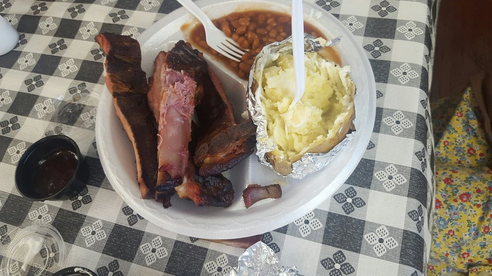 J & E's Restaurant: 807 Marianna Hwy, Donalsonville, GA