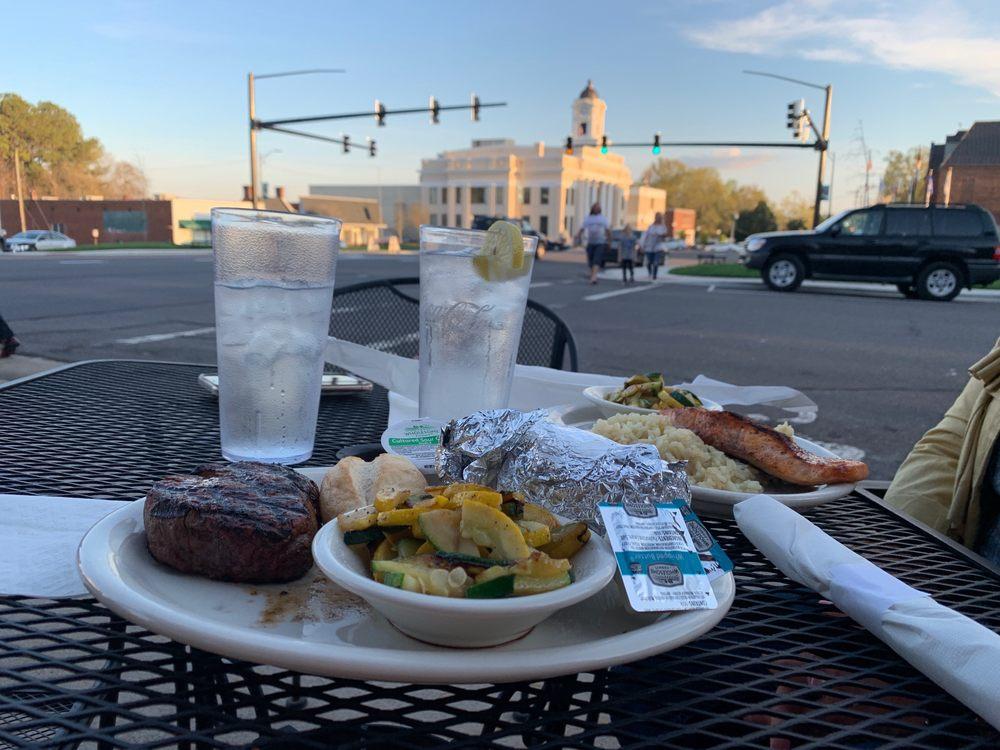 Restaurant 101: 101 N Main St, Mocksville, NC