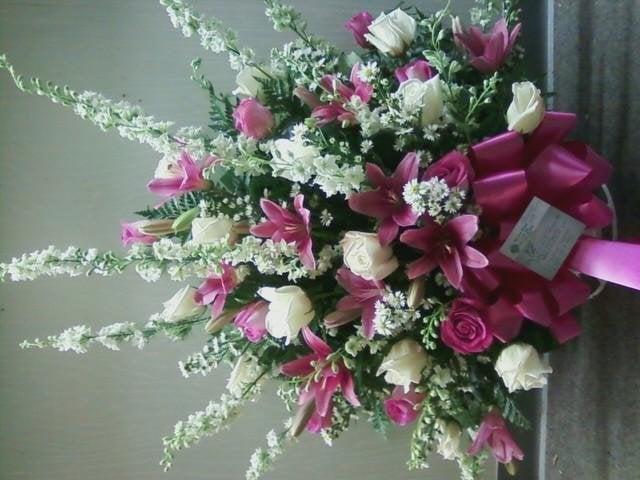 Jimtown Florist: 114 S Main St, Jamestown, TN