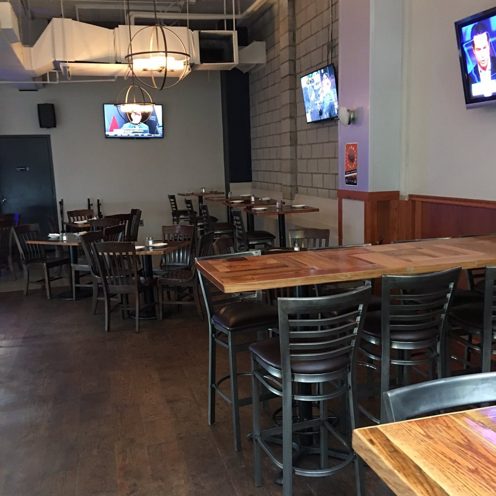 21 Lounge & Kitchen - CLOSED - 41 Photos & 73 Reviews