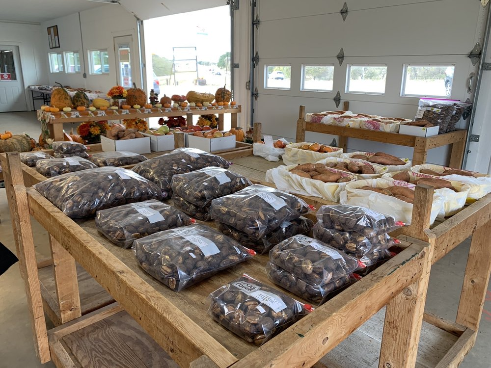 Behrend's Orchard Peaches: 200 B Orchard Rd, Fredericksburg, TX