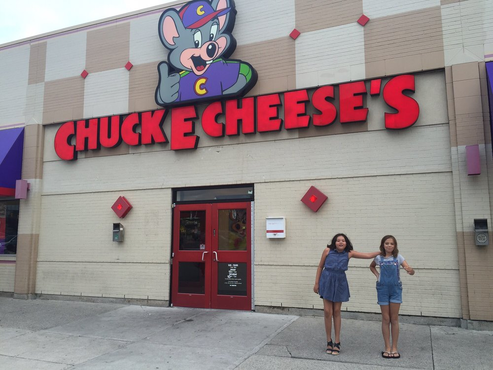 Chuck E Cheese rewards families who trust them for kids' entertainment and party services. With your next $30 purchase of admissions for fun activities like alley bowling and racing simulators, you'll be eligible for this bonus arcade credit.