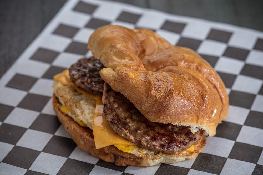 Jupiter Donuts Of Largo: 13002 Seminole Blvd, Largo, FL