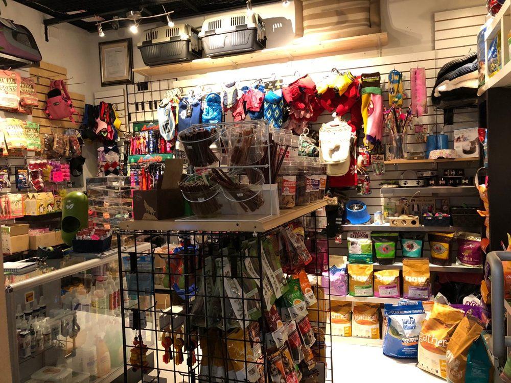 Lucky Tails Pet Boutique