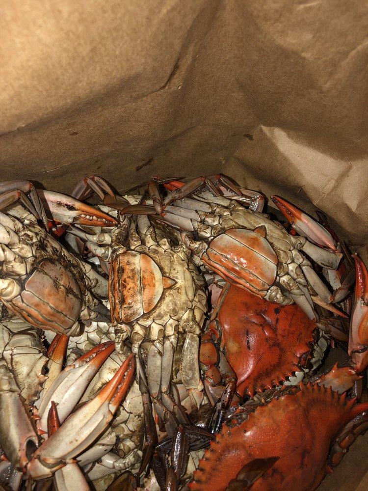 Perino's Seafood: 6850 Westbank Expy, Marrero, LA