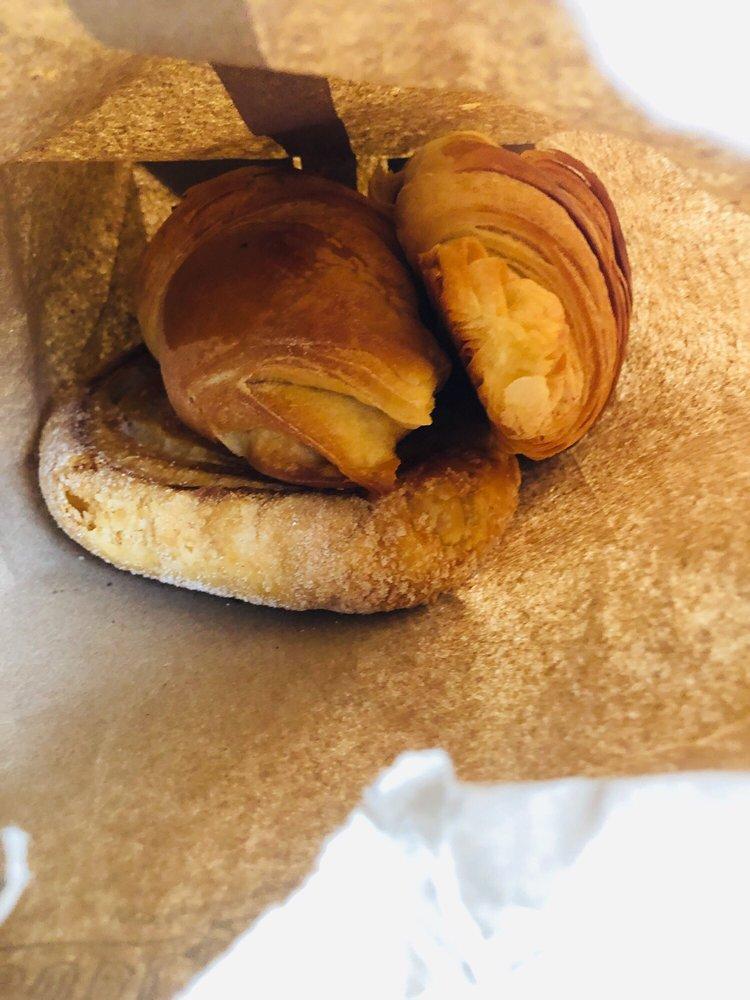 La Francesita Gourmet Bakery Cafe