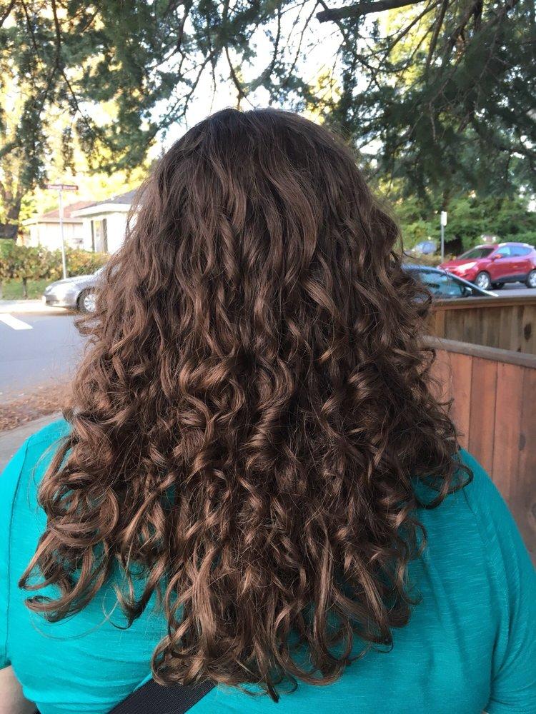 EJ-588 Hair Studio: 588 1st St W, Sonoma, CA