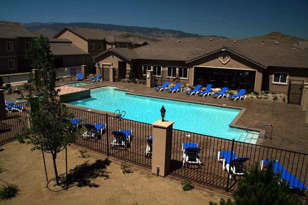 Horizons swimming pool swimming pools 9350 double r - Reno hotels with indoor swimming pool ...
