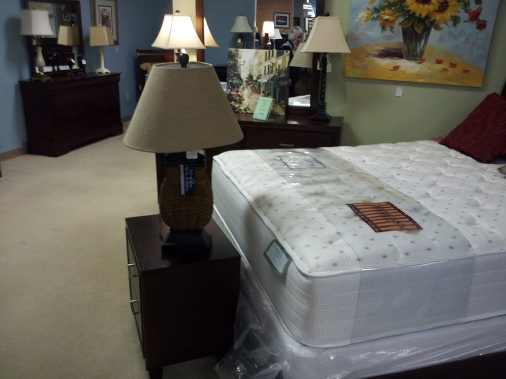 American Wholesale Furniture 27 Photos Furniture Stores 430 S Franklin Rd Indianapolis