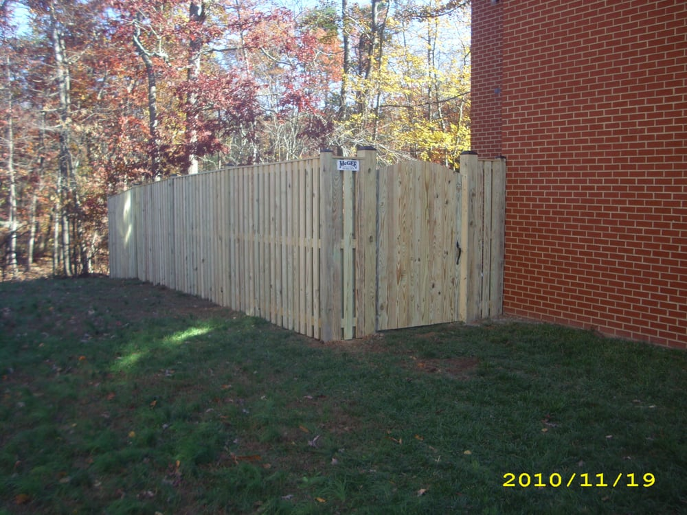 Town House Wood Vertical Wyngate Privacy Fence Yelp
