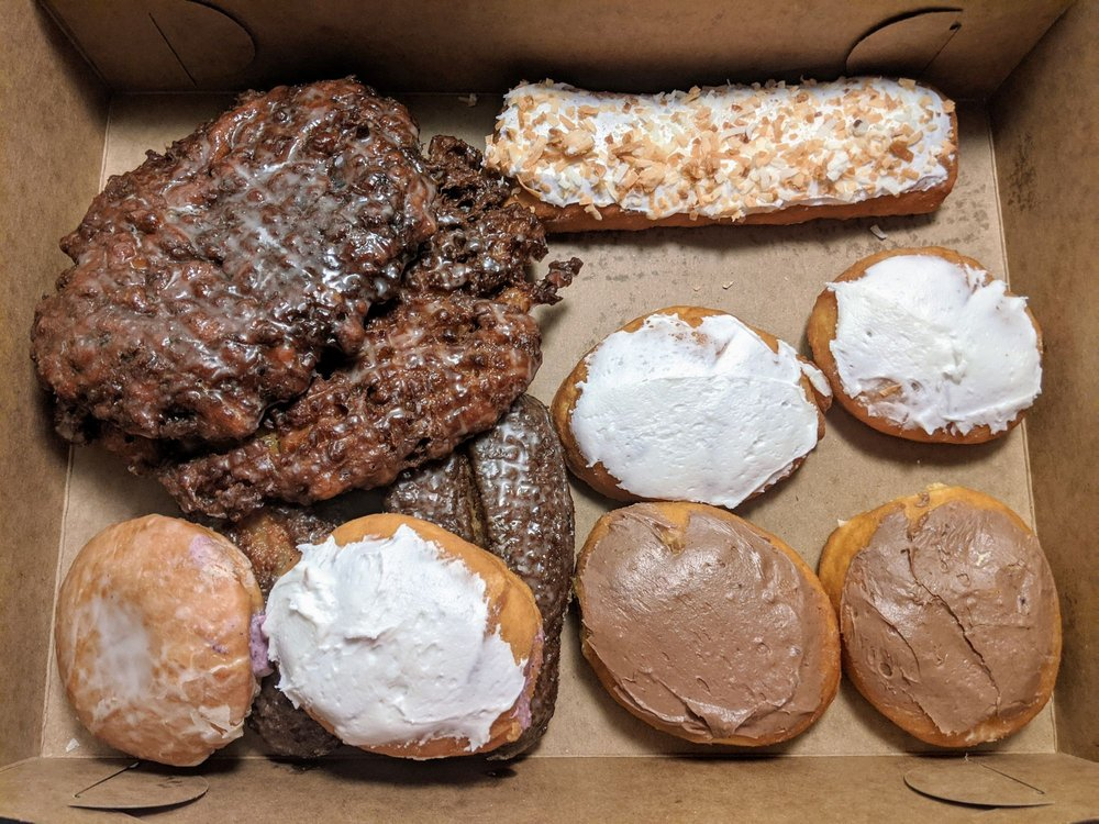 Shamrock Donuts: 31 Mill Hill Rd, Bloomsdale, MO