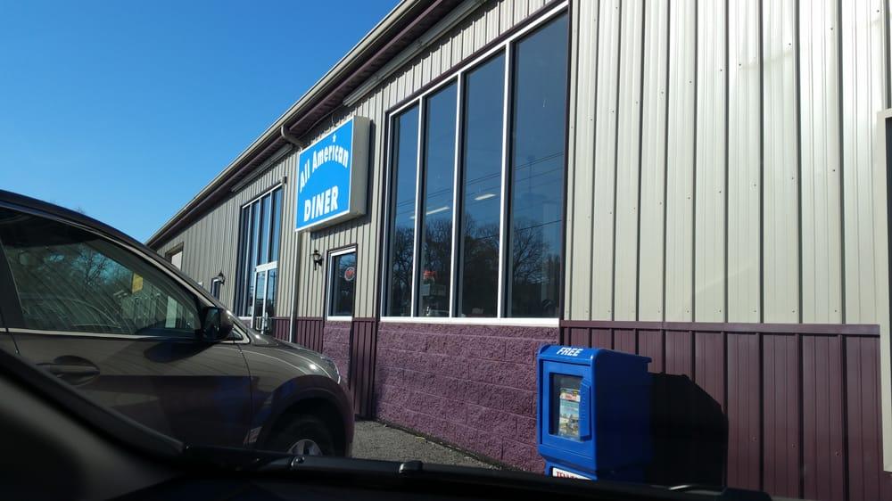 All American Diner: 6099C Nashville Hwy, Baxter, TN