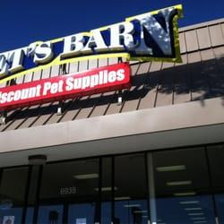 Pet's Barn logo