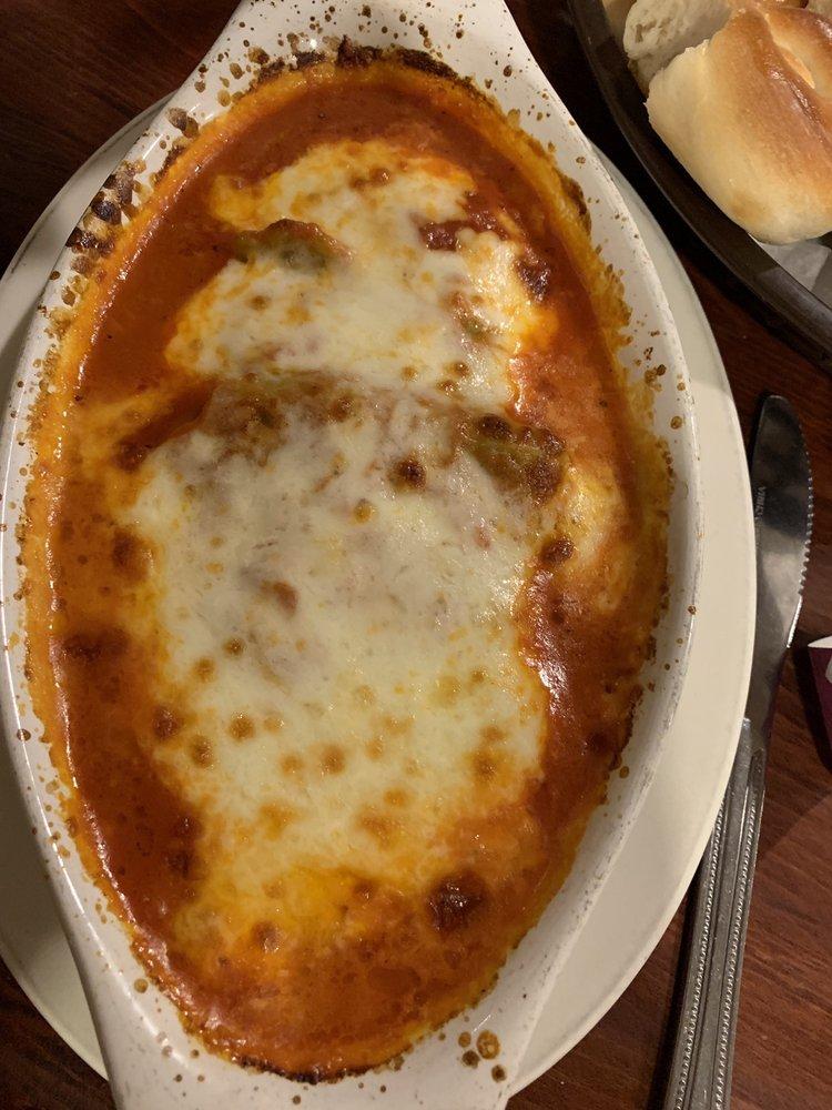 Roma Italian Restaurant: 602 W Jackson St, Hugo, OK