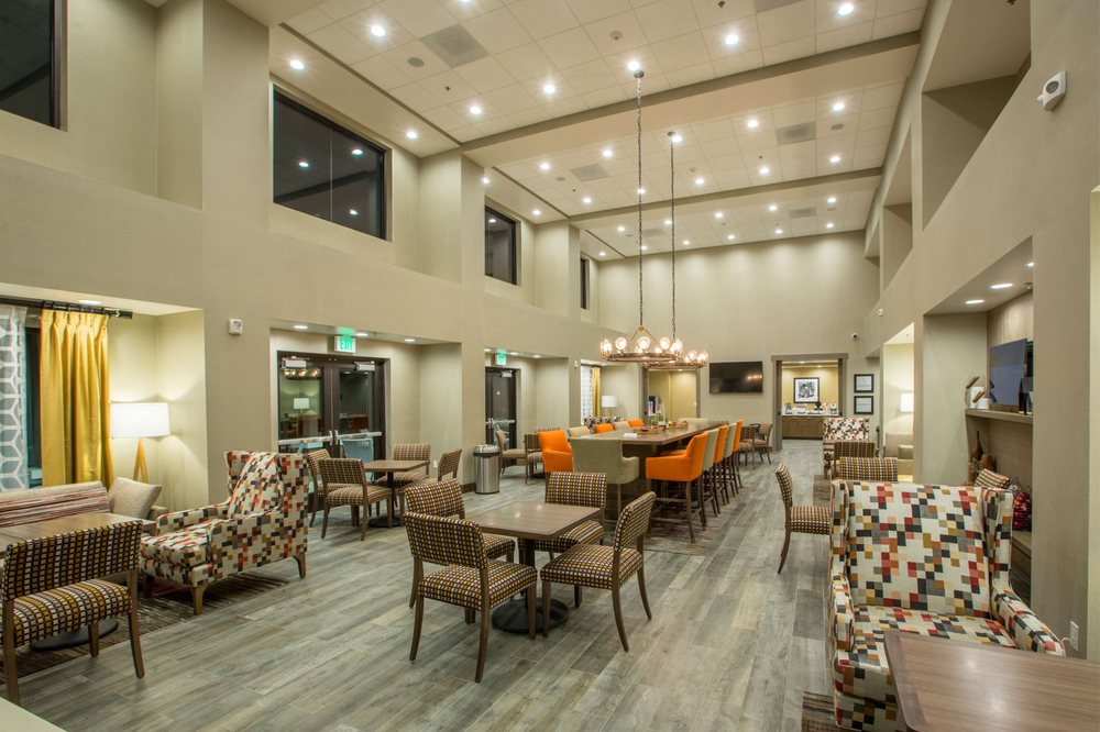 Hampton Inn & Suites Buellton/Santa Ynez Valley: 600 Mcmurray Rd, Buellton, CA
