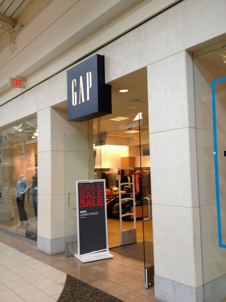 Gap: 21100 Dulles Town Cir, Sterling, VA