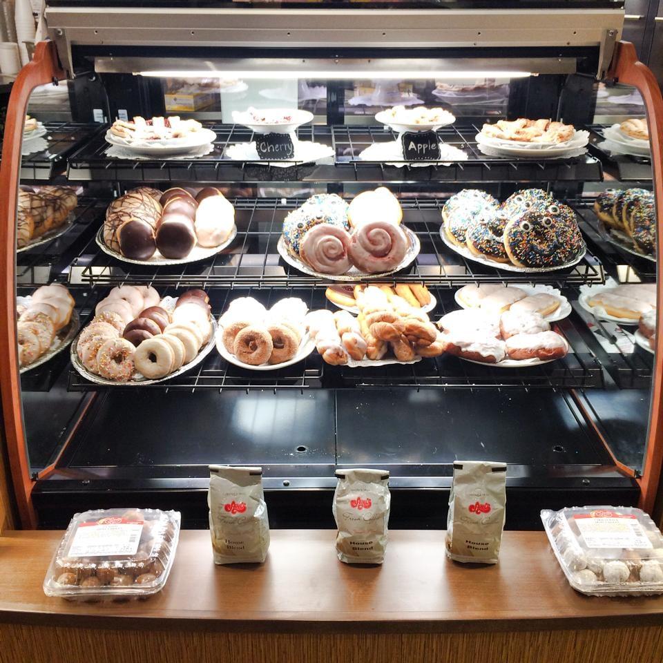 Arnie S Bakery And Restaurant