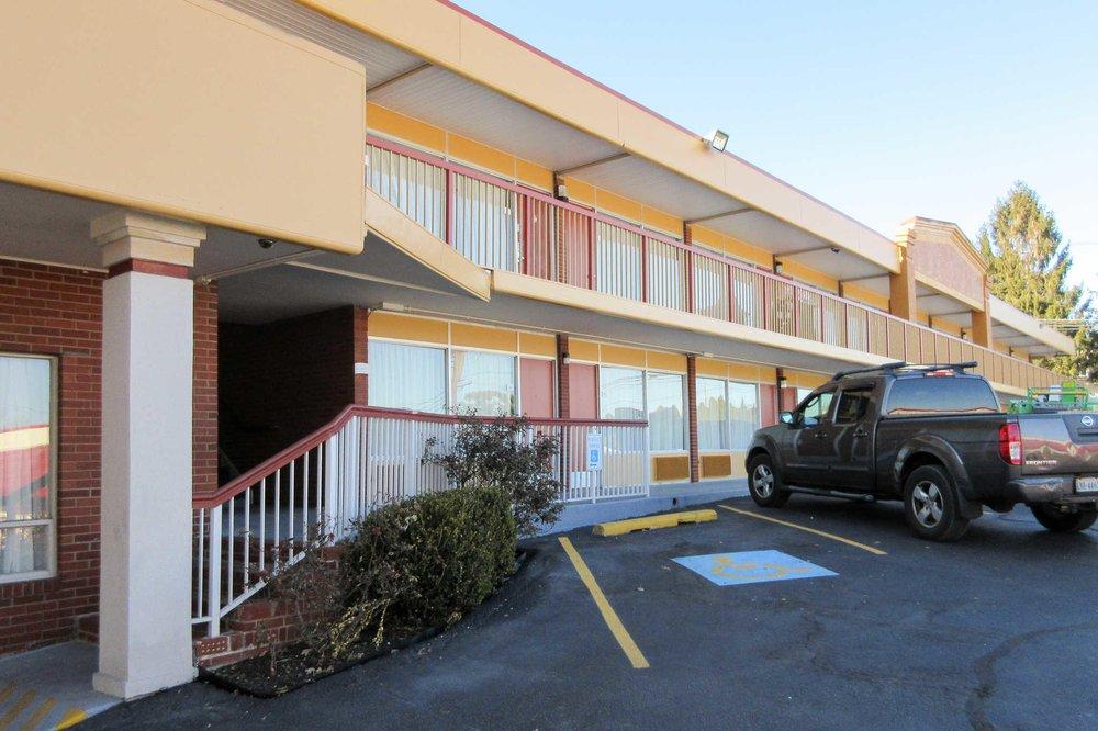 Quality Inn: 410 W Main St, Luray, VA