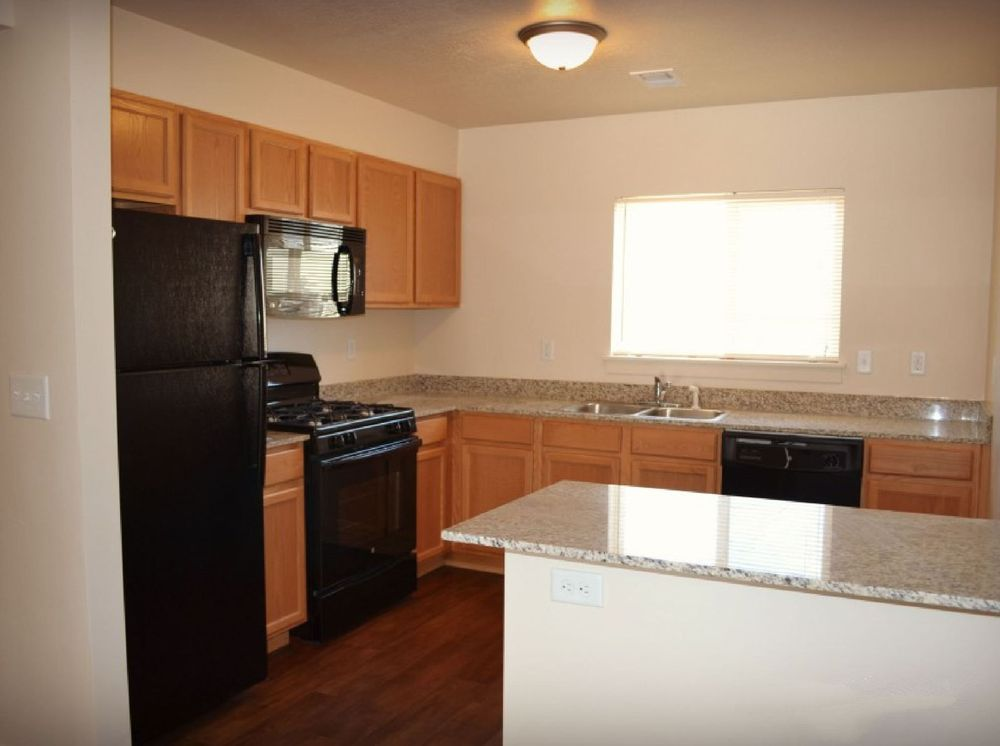 Beacon Hill Apartments: 15000 South Heritage Crest Way, Bluffdale, UT