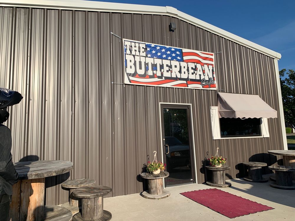 The Butterbean Cafe: 321 Mabray Ln, Muldrow, OK