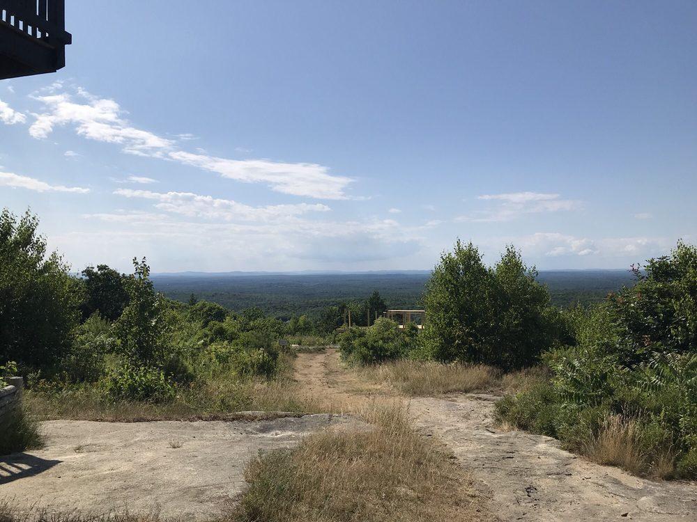 Mount Agamenticus Trail: Mountain Rd, York, ME