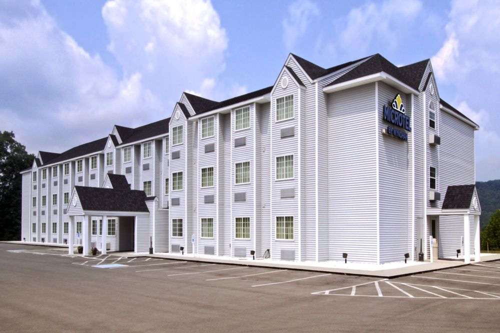 Microtel Inn & Suites by Wyndham Gassaway/Sutton: 115 Reston Place, Gassaway, WV