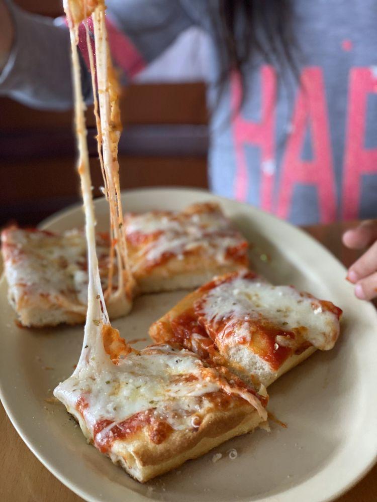 Cugini's Pizzeria & Trattoria: 230 E Betteravia Rd, Santa Maria, CA