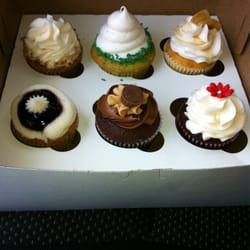 Sweet Designs Kitchen - CLOSED - 13 Photos & 15 Reviews - Bakeries ...