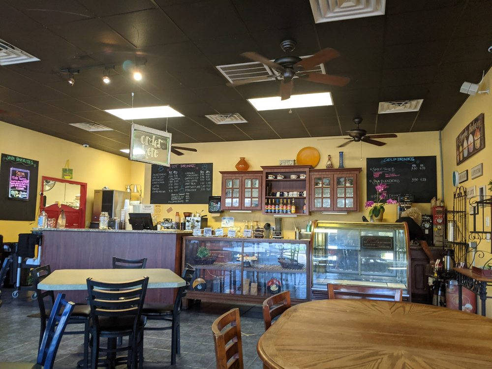 Java Cafe: 202 W Main St, Wauchula, FL