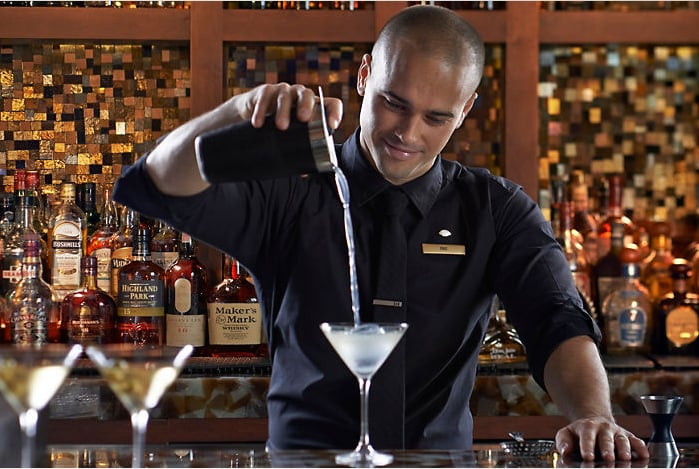 MO Bar + Lounge: 500 Brickell Key Dr, Miami, FL