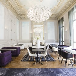 C2 hotel 25 foto 39 s hotels 48 rue roux de brignoles for Garage rue roux de brignoles marseille