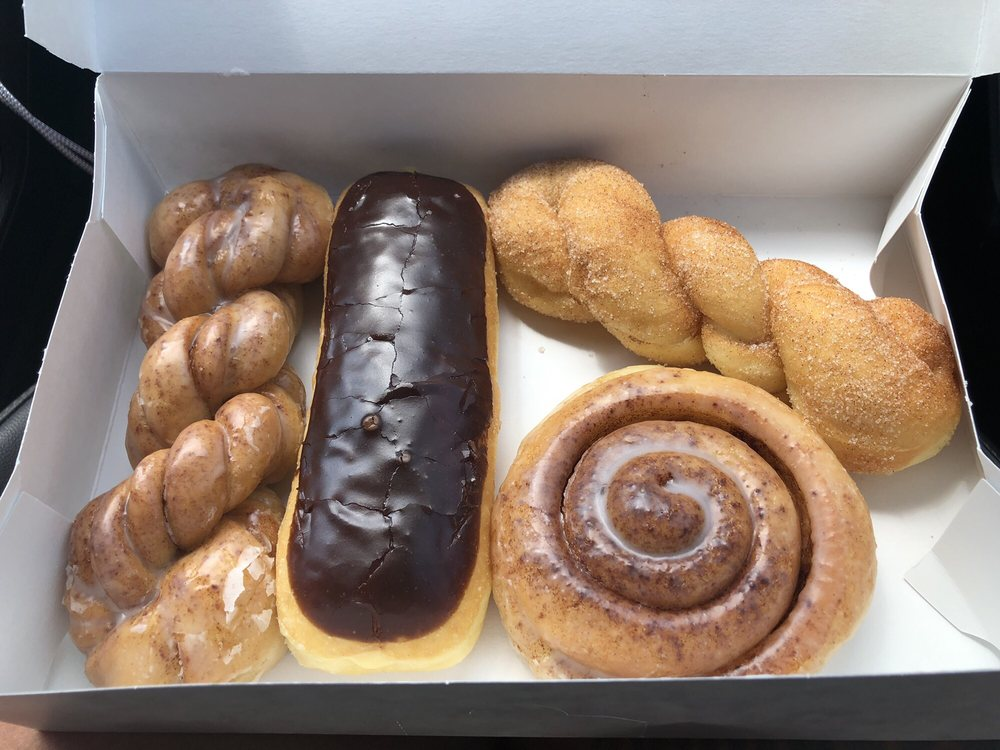 Odem Donut Palace: 602 Voss Ave, Odem, TX