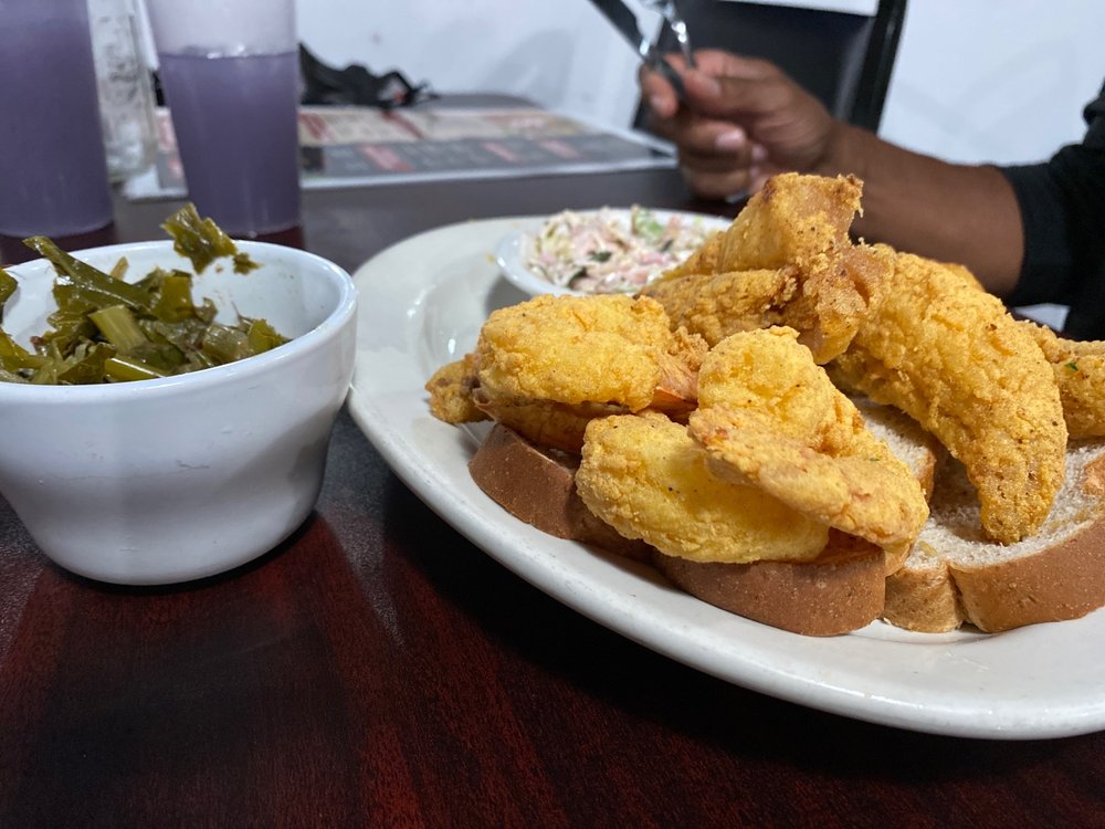 Chippers Seafood & Southern Fusion: 1023 State St, Erie, PA