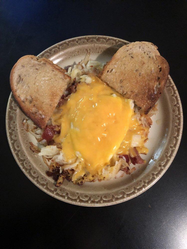 Marie's Family Diner: 13193 Broadway, Alden, NY
