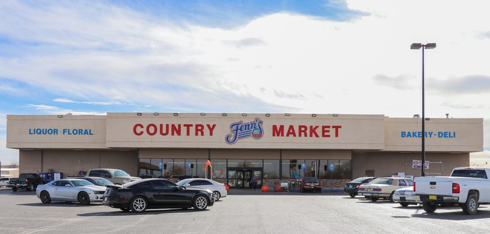 Fenn's Country Market: 2001 W Main St, Artesia, NM