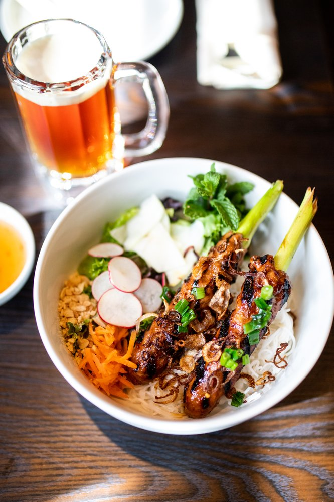 Food from 1618 Asian Fusion